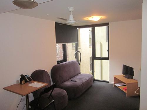 913-268 Lounge 1